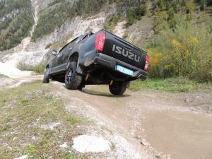 ISUZU OFF ROAD 106